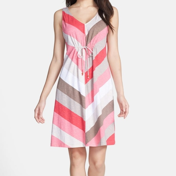 Tommy Bahama Dresses & Skirts - 🌷Tommy Bahama 'Kai' Chevron Jersey Dress🌷